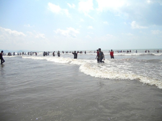 Waves on Nagaon Beach