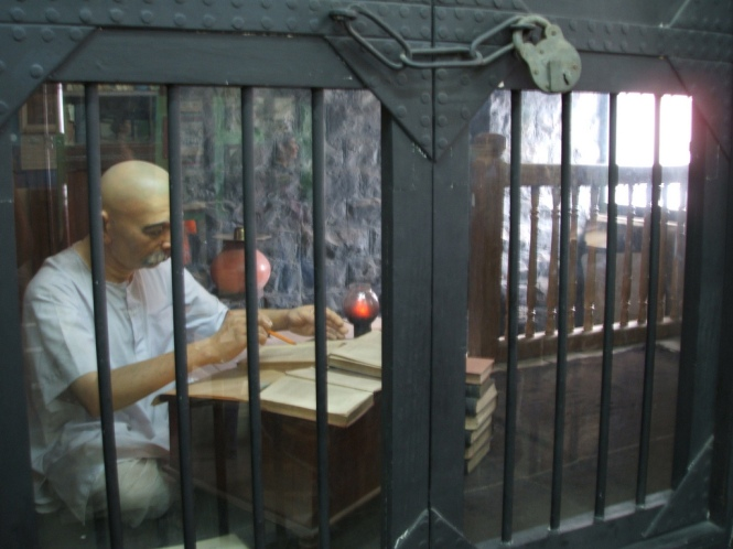 Diorama of Tilak in jail