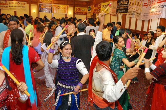Dandiya at mumbai navratri festival